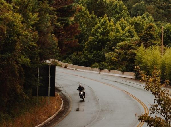 viaggio-in-moto-in-autunno